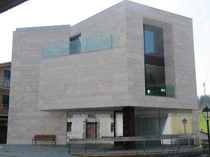 Aramako udala, Iriarte eraikina